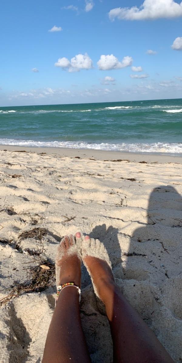 Sandy Beach Toes
