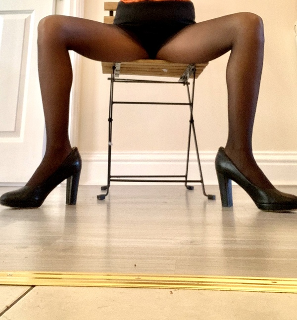 Worn black tights used by milf cabin crew!