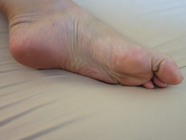 Size 10 feet pics (your choice of pose and 5 pics)