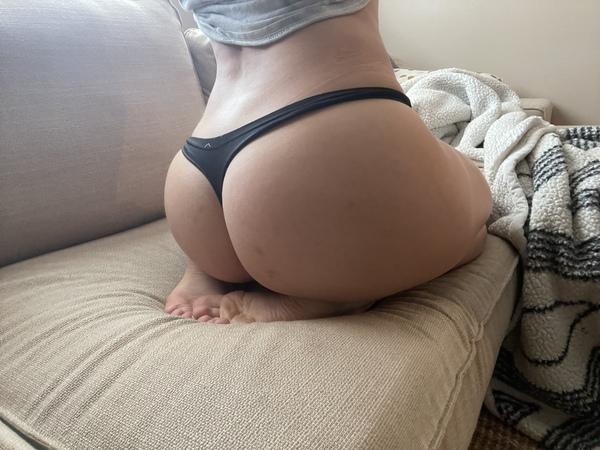 Black yoga thong