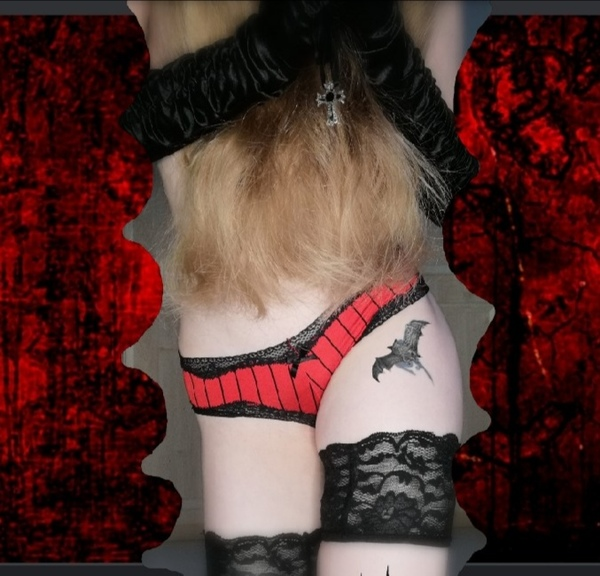 Vampire red lace panties