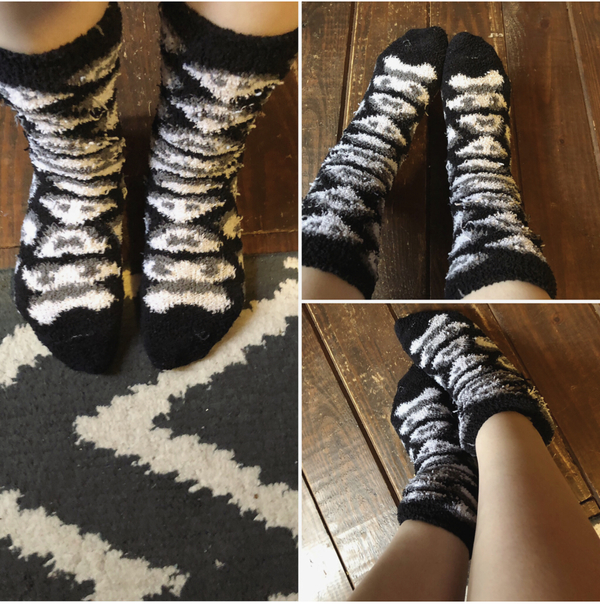 FREQUENTLY USED BLACK & WHITE FUZZY SOCKS