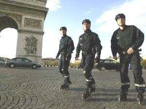 paris rollerbladers