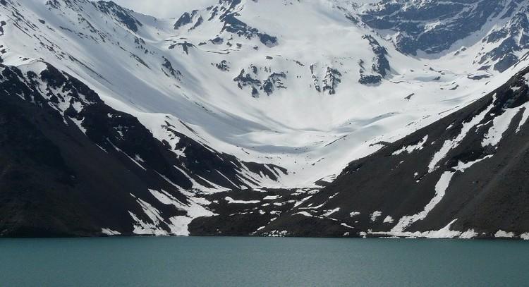 Caiaque na cordilheira dos Andes