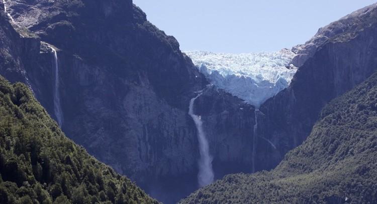 Hanging glacier of Queulat