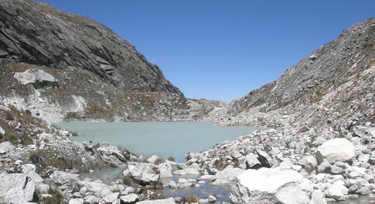 Llaca Lagoon Trek