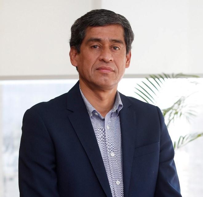 Carlos Lozada Contreras