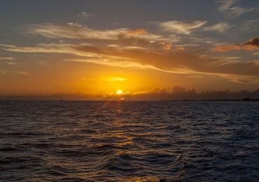2hr Aloha Sunset Sail image 2