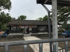 石榴站駅舎