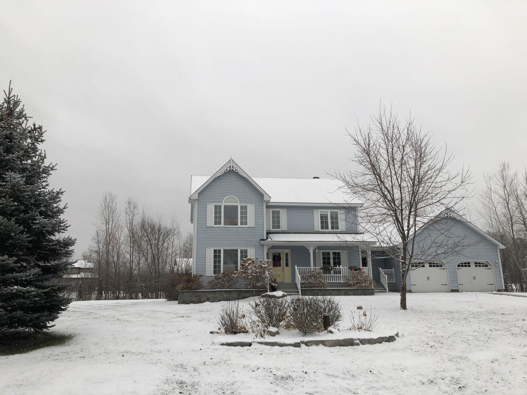 IMG-4359 Full house winter.jpg