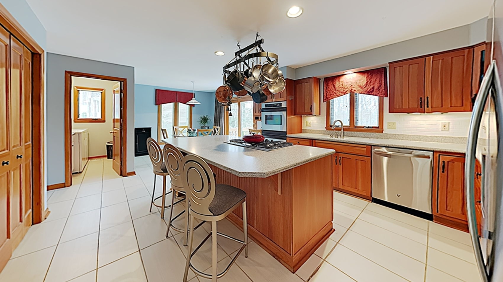 Updated, stainless appliances