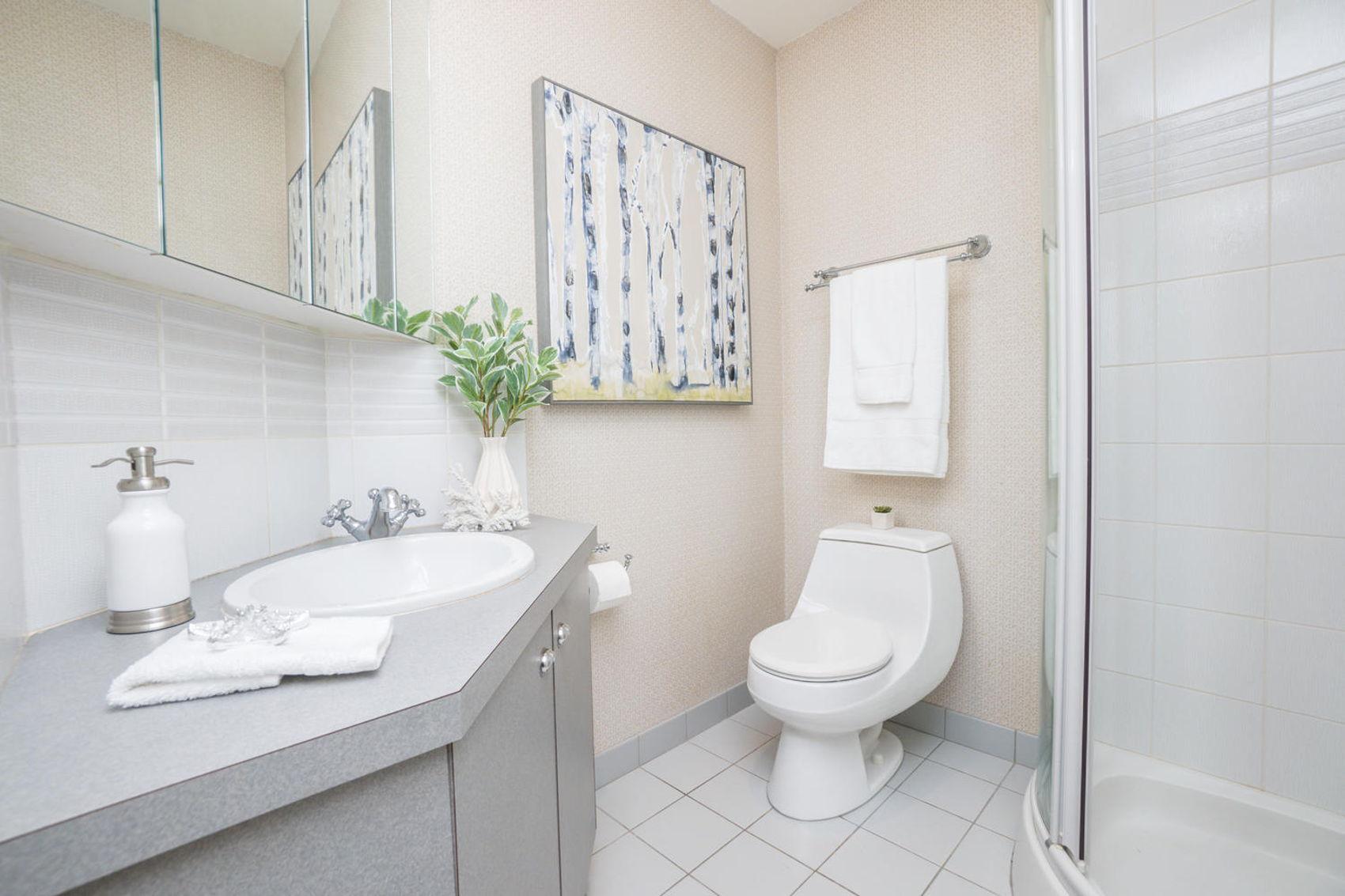 14 Treasure Grove Toronto ON-large-024-25-Bathroom-1500x1000-72dpi.jpg