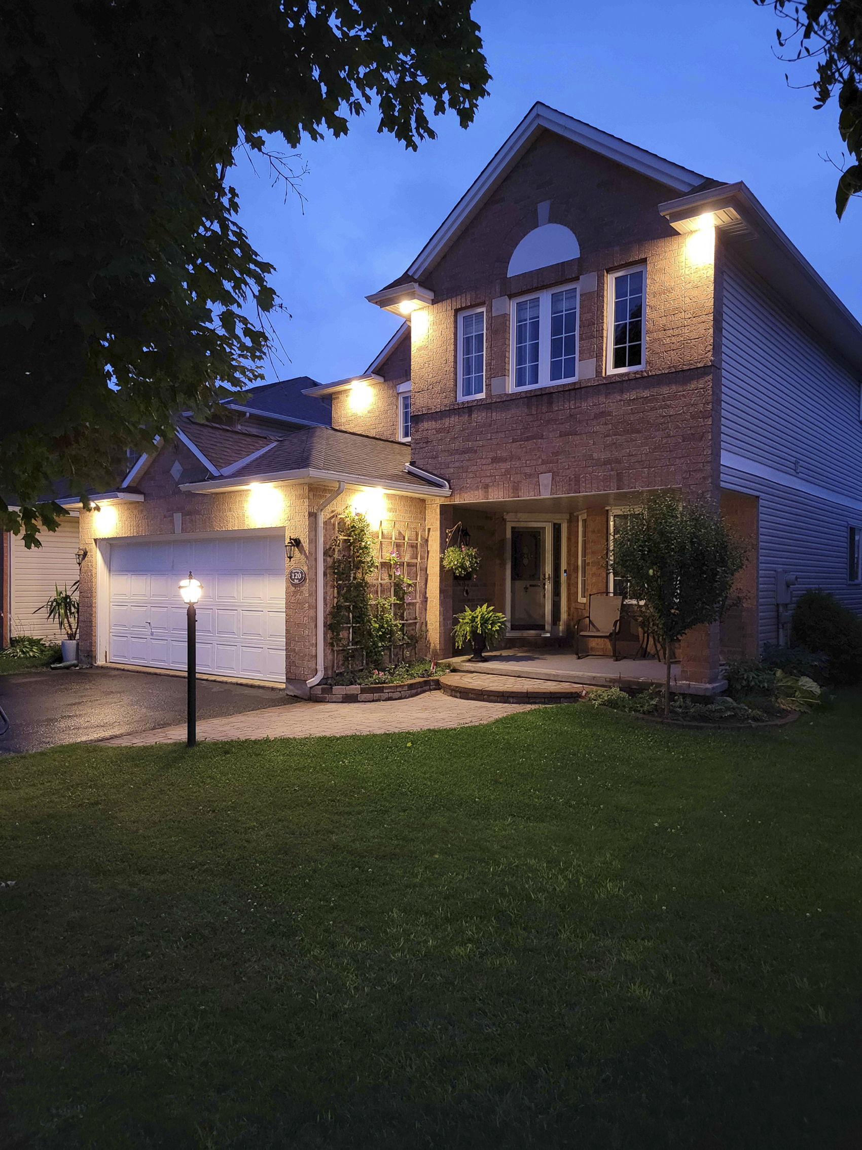 120 Fairlop FRONT PIC MLS READ 2.JPG