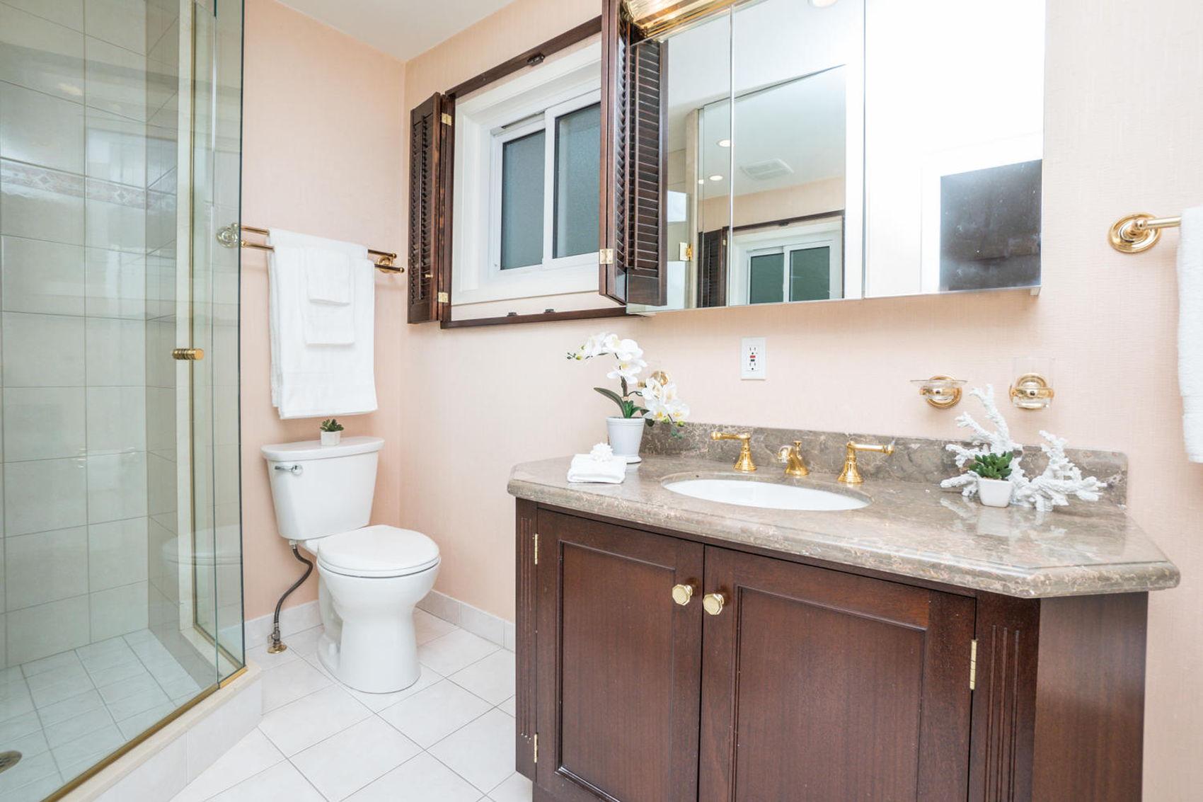 14 Treasure Grove Toronto ON-large-021-20-Bathroom-1500x1000-72dpi.jpg