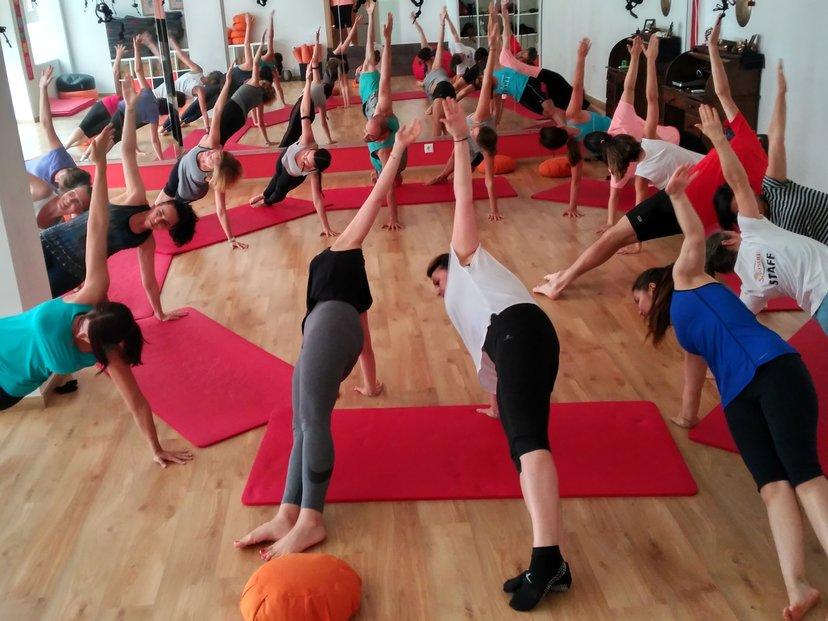 Yoga Integral y Meditación - MINDBODY