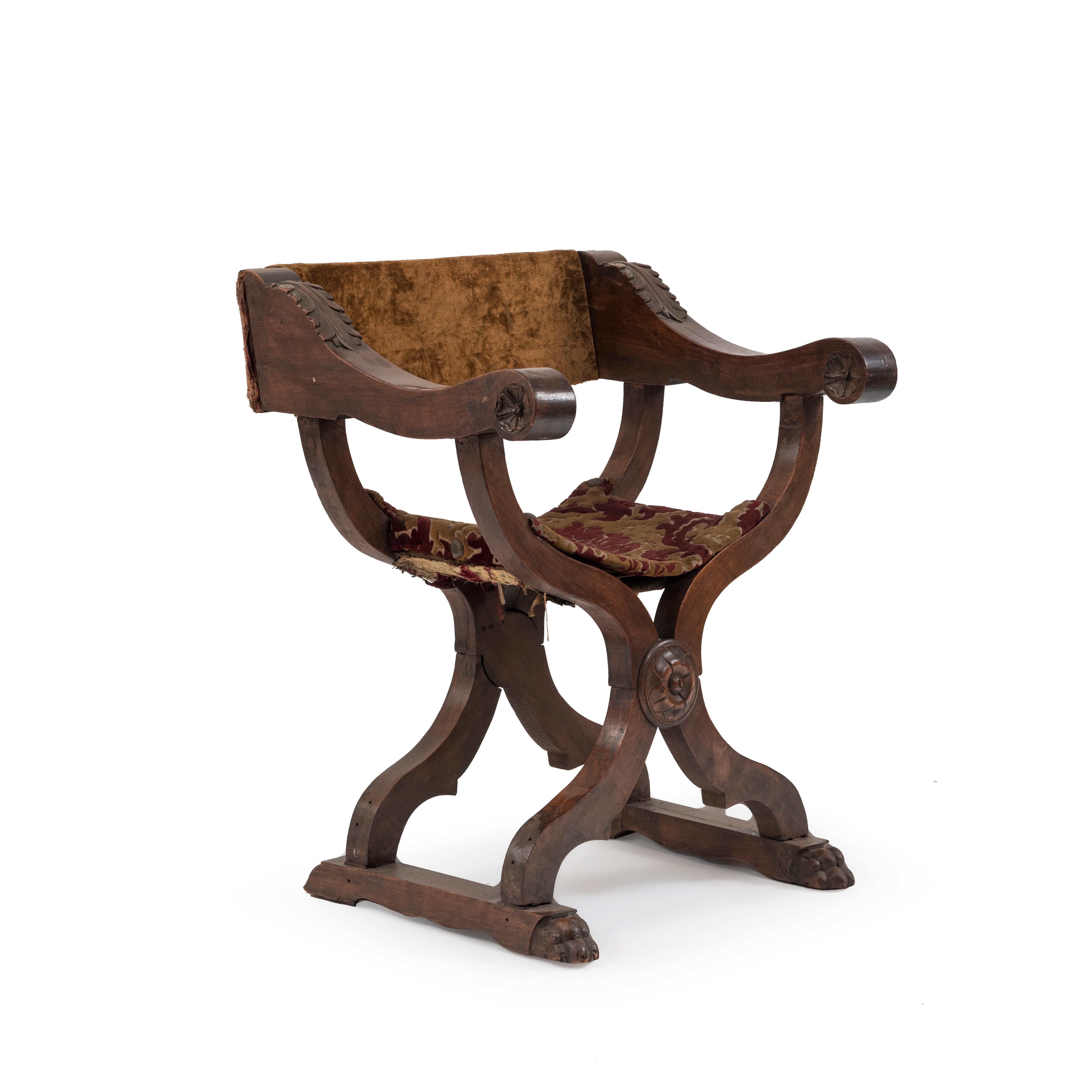 Italian Renaissance Walnut Arm Chair 11 Newel