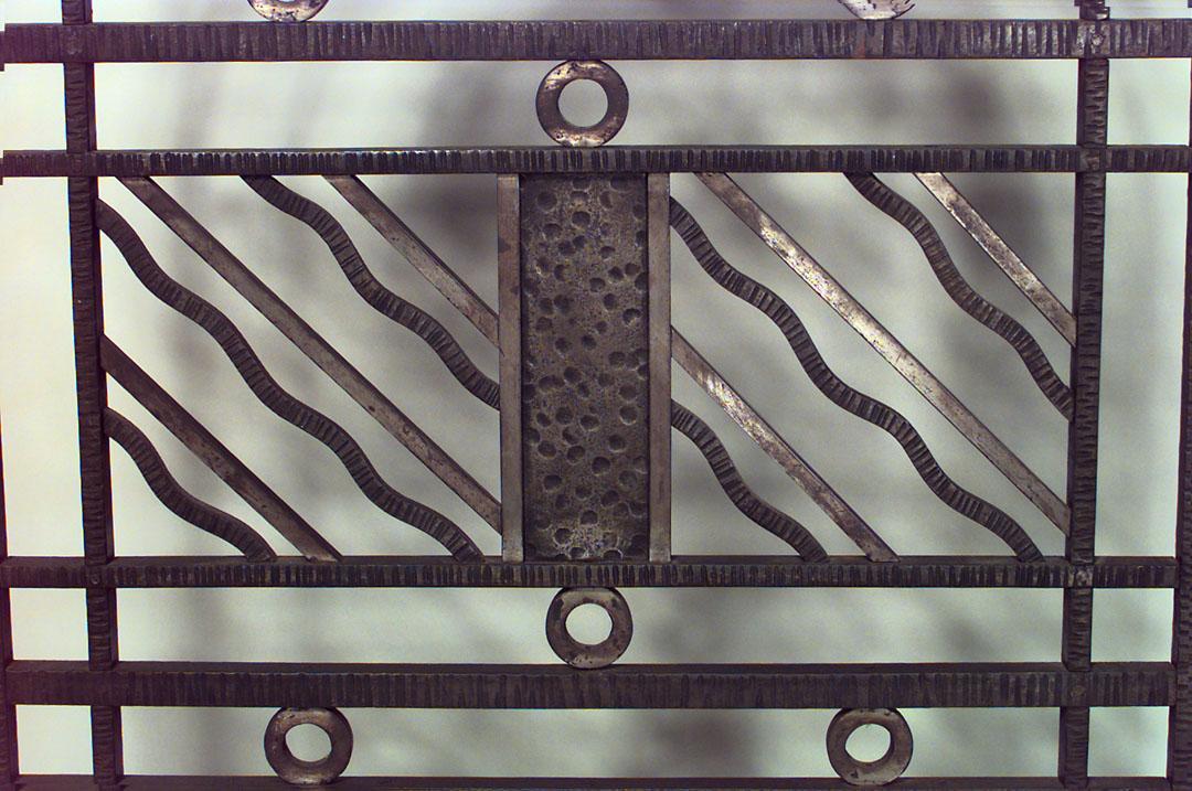 French Art Deco wrought iron filigree circle design 4 panel gate (att: EDGAR BRANDT)