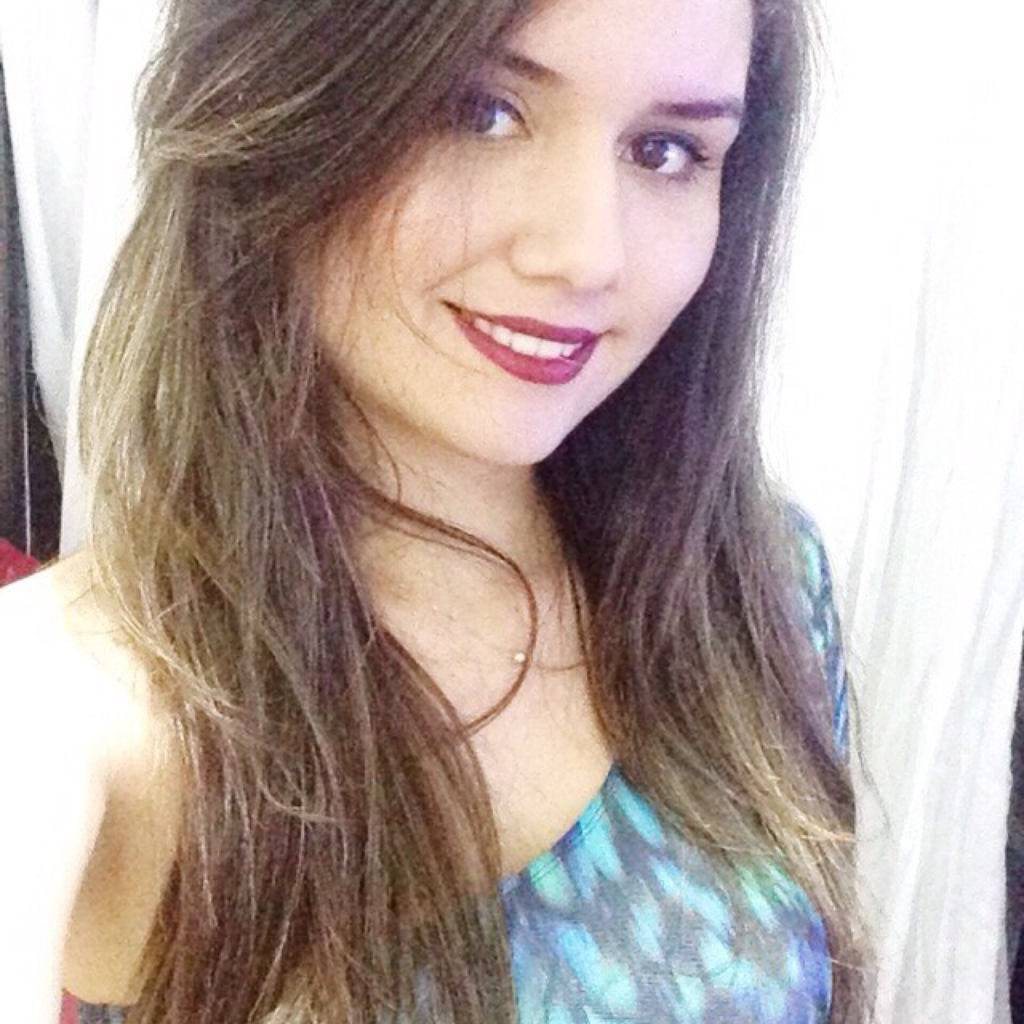 <b>Beatriz Dias</b> - 74da3ef3acca4c0eae7b4b87e42b239b-1024