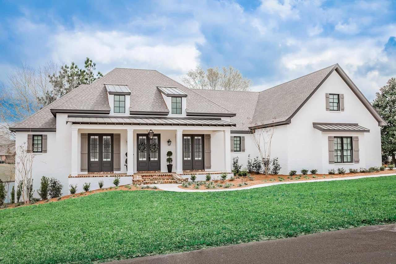 Modern-farmhouse Style Home Design Plan: 50-386