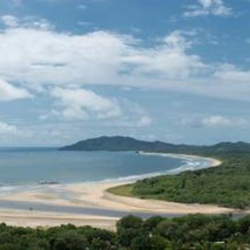 Las Mareas de Tamarindo and Pangas Beach Club