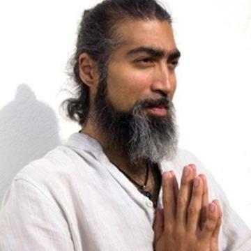 Yoga Master Antonio Elugardo