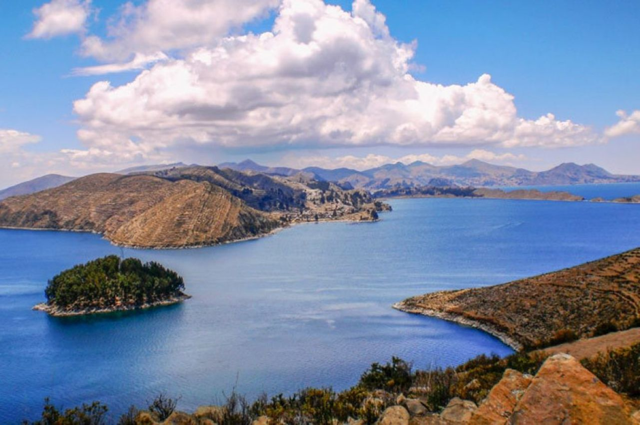Best Bachelor Degrees in Fashion Marketing 2018 - Bachelorstudies Pictures of lake titicaca