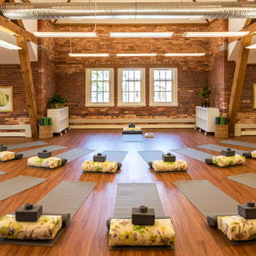 Ladies Yoga & Wine New York Retreat
