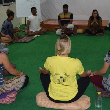 Yoga School in India-200 hour Yoga Teacher Training in Rishikesh