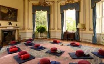 Sharpham House: Mindfulness and Yoga Retreat-(3 nights)