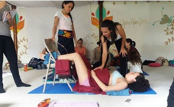 Doula certification and prenatal/postnatal yoga teacher certification with Kssoy and partera de vidas ( midwifes for life )