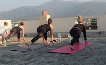 200 hours Hatha Yoga Teacher Training in Rishikesh