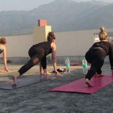 200 hours Hatha Yoga Teacher Training in Rishikesh