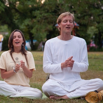 Further Training for Yoga Teachers: How to Teach Meditation and Mantra Chanting