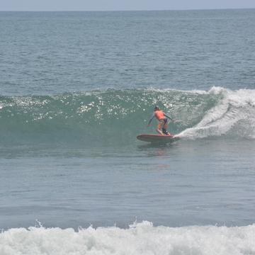 SwellWomen El Salvador Surf & Yoga