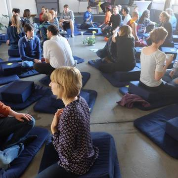 Social Meditation: 30s & Under