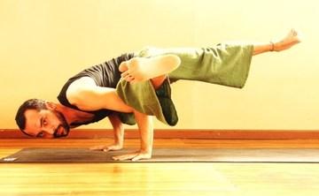 8 Days Acro Yoga and Thai Massage Retreat in Costa Rica