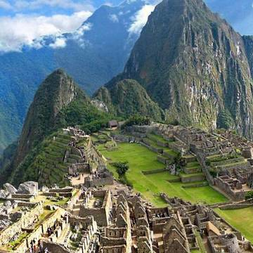 Pachamama : A Yoga Retreat Adventure and Trek to Machu Picchu