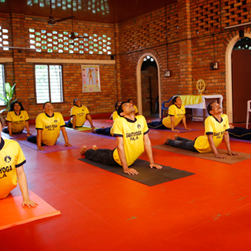 300 hour Yoga Techer Training in Kerala, India