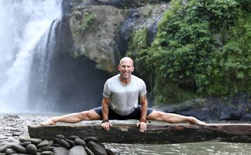 JUNE 2018 Chakras & Chanting Costa Rica Yoga Retreat with Les Leventhal