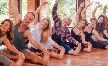 300-Hour Yoga Teacher Training One Month Immersion with Yogi Aaron