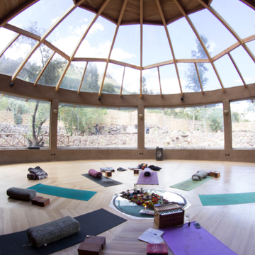 Into the Heart of Light, 100 hour Yoga Alliance Accredited Advanced Training -  Sach'a Munay, Sacred Valley, Peru