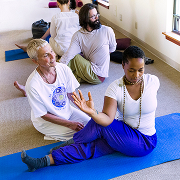 Integral Yoga 200-hour Teacher Training – Fall 2018