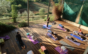 Monkey Mountain AcroYoga Retreat, Selci, Italy
