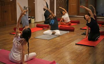 200H Hatha Yoga TTC with Yoga Alliance USA - Veg food & accomodation incluyed
