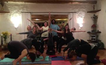200 hours tantra yoga teacher training in Ecuador - January 2016