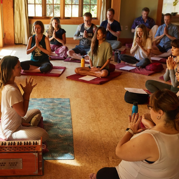Shivakali Yoga 200-Hour Teacher Training