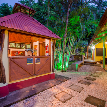 7-day Surf and Spanish Language Retreat on a beautiful Costa Rican beach