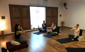 200H Ashtanga Vinyasa Yoga TEACHER TRAINING COURSE with Yoga Alliance USA- Veg FOOD & ACCOMODATION, INCLUYED