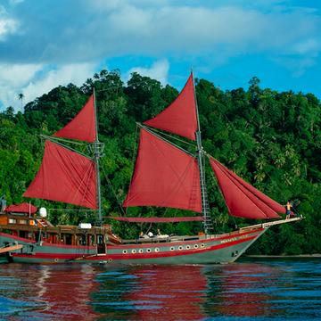 The Floating Temple Retreat - Raja Ampat
