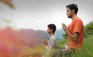 100 Hour Yoga Teacher Training in Rishikesh India